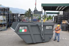 BUTTI stoerste self dumping bin 10000 Lt paa det Italienske marked